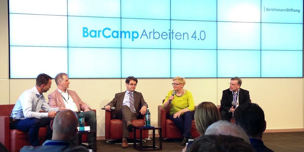 BarCamp Arbeit 4.0 Obwohl die Relationen der TeilnehmerInnen sehr ausgewogen waren: Abschlussdiskussion – vier Männer eine Frau