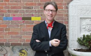 Ralf Hasford moderiert Meetings und Fachtagungen. Er gibt Impulse, erarbeitet Geschäftsmodelle und coacht Führungskräfte.